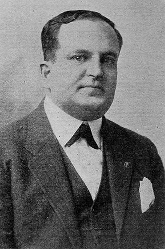 Leon Schlesinger - Image: Leon Schlesinger portrait ca. 1917
