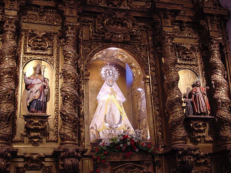 File:Leon Valderas iglesia san Claudio retablo lou.JPG