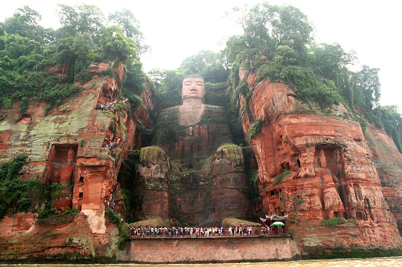 Superstructures - Le grand Bouddha 800px-Leshan_Giant_Buddha
