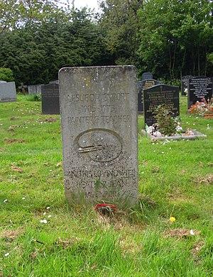 Rosary Cemetery, Norwich - Image: Leslie Davenport Rosary Cemetery Norwich