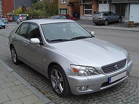 Lexus IS200 avant.JPG