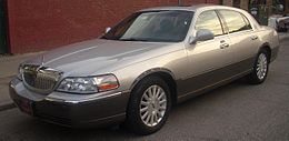 Una Lincoln Town Car terza serie