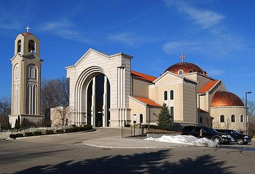 كنيسة مريم العذراء الأرثوذكسية الأنطاكية، ميشيغان. تخدم الكنيسة مختلف الجاليات المسيحية الشامية.