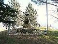 Lucinasco-monumento ai caduti.jpg