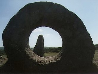 Mên-an-Tol - A view through the Mên-an-Tol holed stone