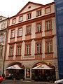 Měšťanský dům U Glaubiců, U zlatého stromu (Malá Strana), Praha 1, Malostranské nám. 5, Malá Strana.JPG