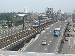 Tatra RT8D5 - Image: MRT 3 Train Quezon Avenue 1