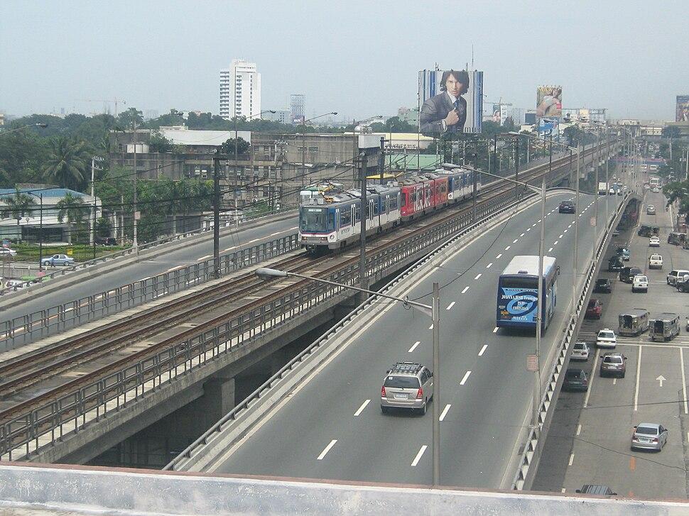 MRT-3 Train Quezon Avenue 1