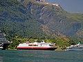 MS Polarlys im Geirangerfjord - panoramio - H.-N. Meiforth.jpg