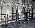 Maastricht, OLV-basiliek, kruisgang, processieflambouwen 1 (crop).jpg