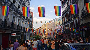 Chueca - Image: Madrid Pride Orgullo 2015 58360 (19339362381)