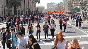Marcha cerca de Biblioteca Nacional de Chile, sept. 2013