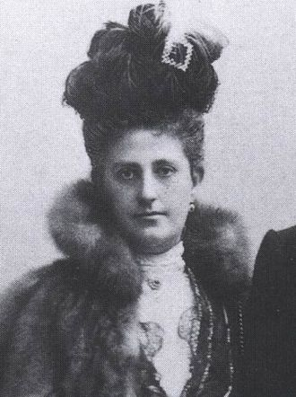Archduchess Maria Theresa of Austria (1862–1933) - Maria Theresia photographed in 1900