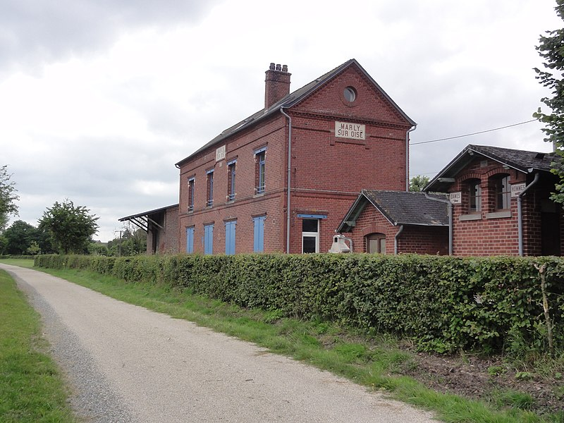 Marly-Gomont (Aisne) Axe vert, ancienne gare de Marly-sur-Oise