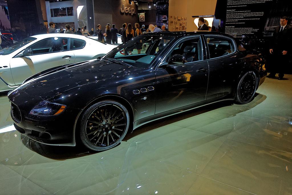 file maserati quattroporte sport gts mondial de l 39 automobile de paris 2012. Black Bedroom Furniture Sets. Home Design Ideas