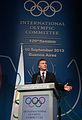 Mauricio Macri recibió un reconocimiento del Comité Olímpico Internacional (9726606906).jpg