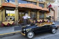 Maurizio Florese, owner of the historic car and the Mona Lisa Restaurant, greets his customers. San Francisco, California LCCN2013630219.tif