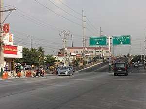 MacArthur Highway - Image: Mc Arthur Highway Malolos flyover (Malolos, Bulacan; 2017 03 14)