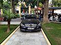 Mercedes trong vườn hoa bệnh viện Xanh Pôn, Hà Nội 001.JPG