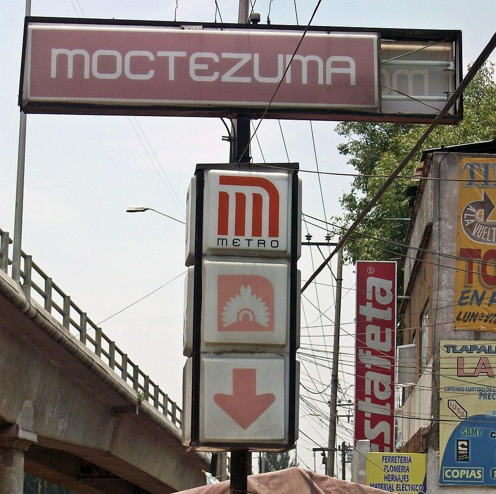 Metro Moctezuma 01