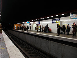 Metro Paris - Ligne 13 - station Champs-Elysees - Clemenceau.jpg