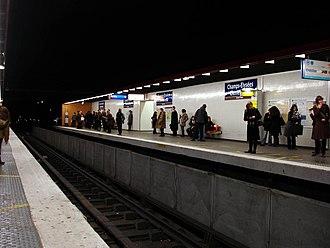 Champs-Élysées – Clemenceau (Paris Métro) - Image: Metro Paris Ligne 13 station Champs Elysees Clemenceau