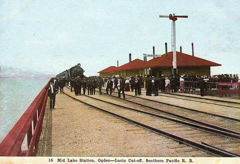 File:Mid Lake Station Great Salt Lake Souithern Pacific Railroad.JPG