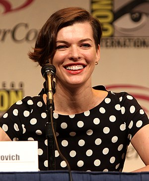 Milla Jovovich - Jovovich speaking at WonderCon 2012 about Resident Evil
