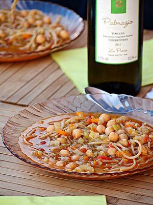 Minestra di ceci - Minestra di ceci con palmazio (Chickpea soup with Palmazio, a white wine made with a grape variety native to Isola di Capraia)