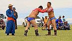 Mongolskie zapasy na lokalnym festiwalu Naadam (43).jpg