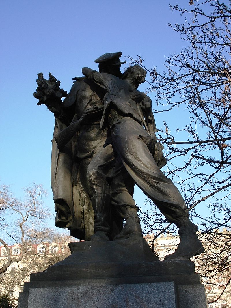 https://upload.wikimedia.org/wikipedia/commons/thumb/3/3c/Monument_Red_Army_soldier_liberating_Prague.JPG/800px-Monument_Red_Army_soldier_liberating_Prague.JPG