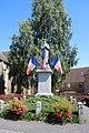Monument aux morts Lougé-sur-Maire (1).jpg