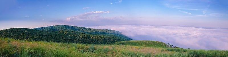 Утренний туман над селом Верхнеиткулово (Ишимбайский район).