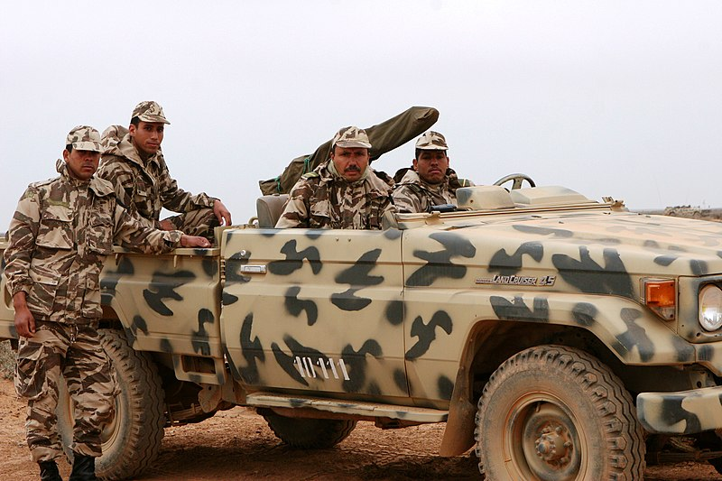 Archivo:Moroccan military Toyota Land Cruiser.JPEG