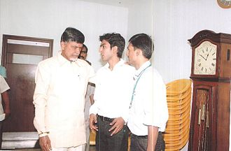 N. Chandrababu Naidu - Naidu in discussion with students as chief minister of Andhra Pradesh