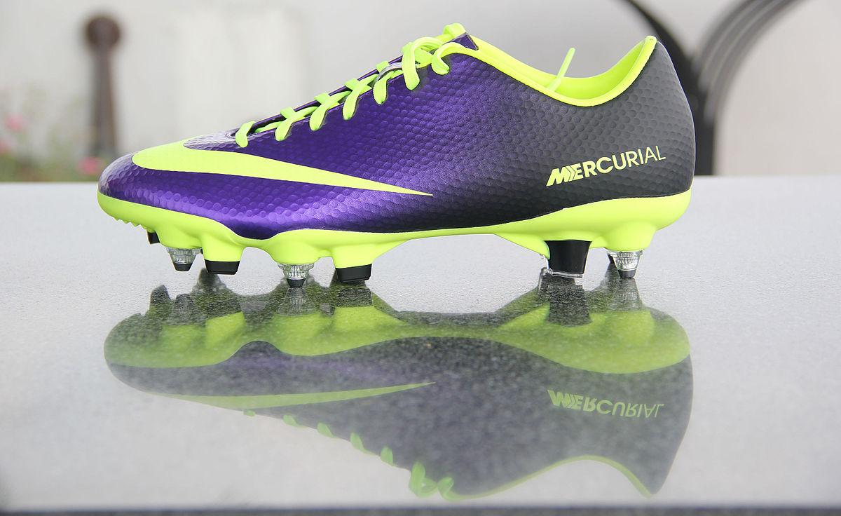 Comparación templar Escoger  Nike Mercurial Vapor - Wikipedia