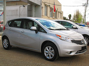 Nissan Note - Image: Nissan Note 1.6 Advance 2014 (10282268824)