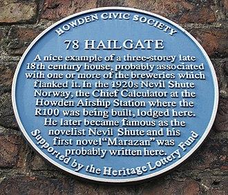 Howden - The plaque commemorating Nevil Shute on 78, Hailgate