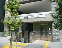 Nogizaka-Sta-2.JPG