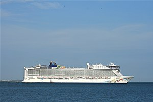 Norwegian Epic - Image: Norwegian Epic 1