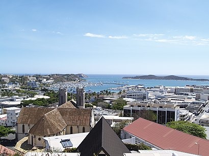 How to get to Nouméa with public transit - About the place