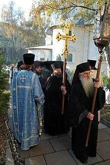На какую сторону света хоронят у православных