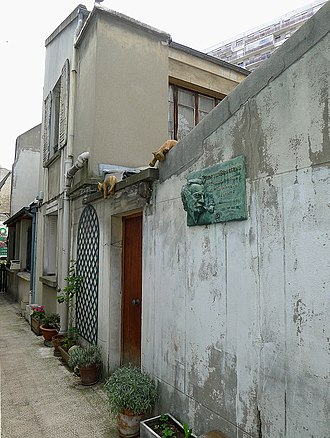 Georges Brassens - 9 impasse Florimont where Brassens lived for twenty-two years with a plaque commemorating is time there