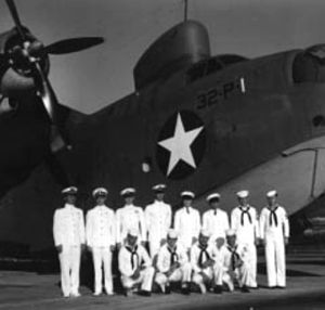 PBM-3C Mariner VP-32 with crew 1943.jpg