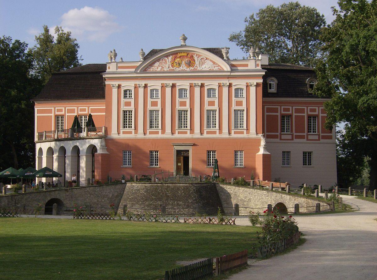 Znalezione obrazy dla zapytania pałac kurozwęki