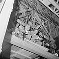 Paasviering. Gelovigen op de steigers bij de ingang van de Heilige Graf kerk. Tw, Bestanddeelnr 255-5249.jpg