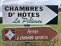 Panneaux Direction Chambre Hôtes Pilleuse Fermes Cheminée Sarrasine Route Merlières St Cyr Menthon 1.jpg