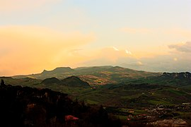 File: Panorama Valmarecchia.jpg