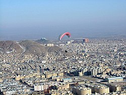 Paragliding over Arak city.jpg