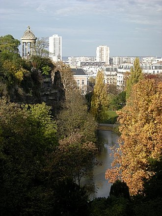 Parc des Buttes Chaumont - panoramic view of the island.